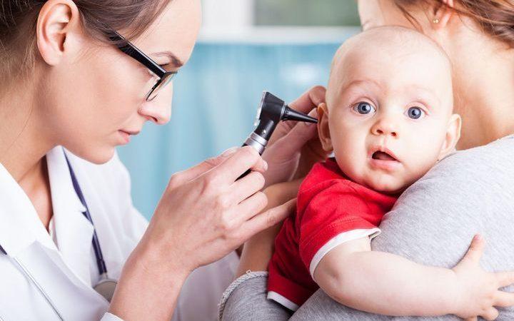 Pourquoi les bébés ont-ils beaucoup d'otites ?